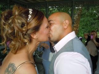 El beso que sella la unión del amor