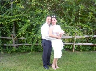 La pareja ya unidos en matrimonio