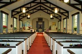 El interior de la Iglesia, decorado lindamente por la novia