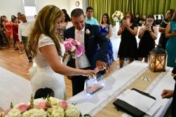 Ceremonia de la arena simbolizando el futuro indivisible de la pareja