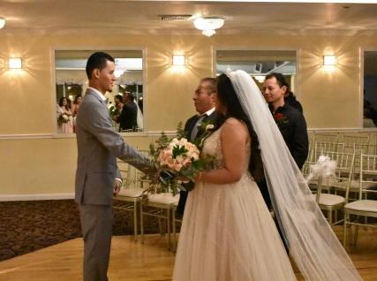 La entrega de la novia con emotivas palabras de parte de su padre